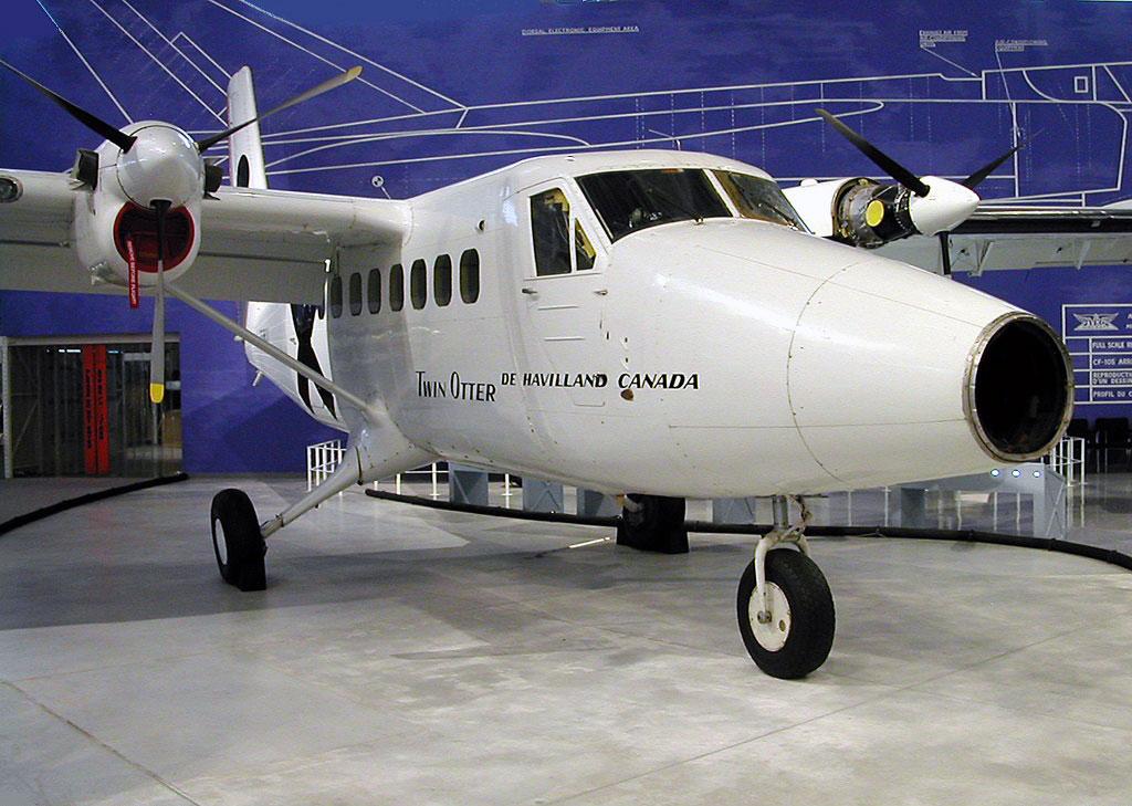 1_CF-DHC-X_Den_Pascoe_12-Nov-2002_0336950_1024a.jpg