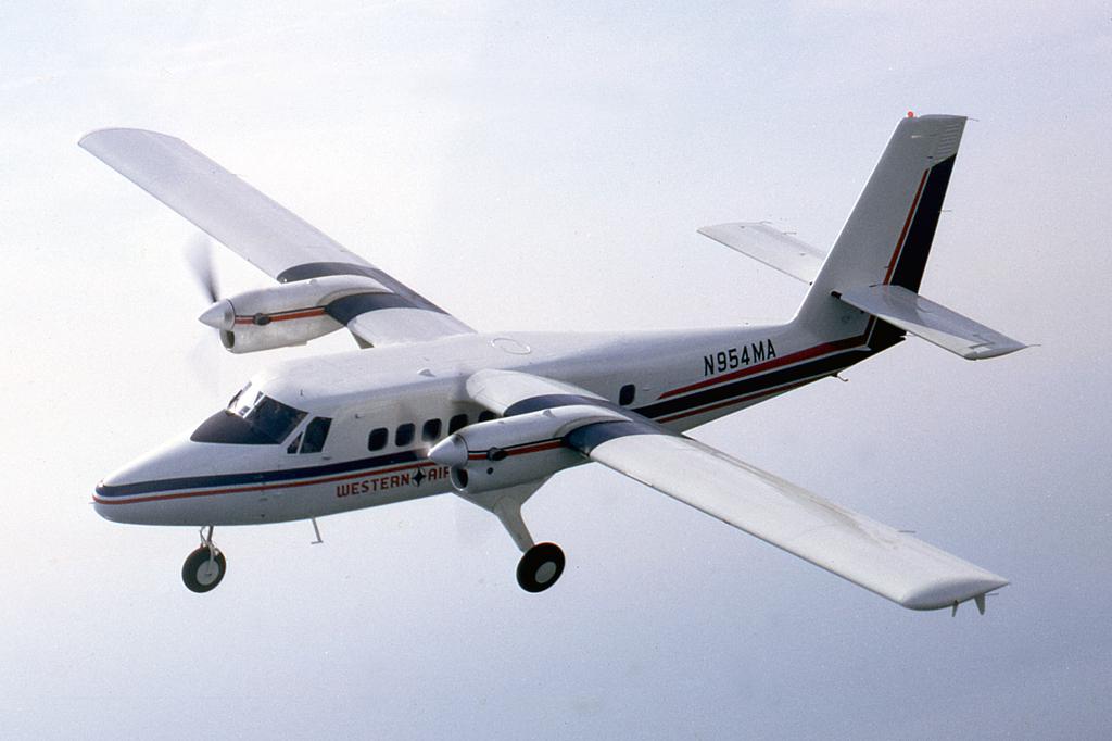 116_N954MA_DHC_AIR-TO-AIR_APR-1968_EJC_1024A.jpg