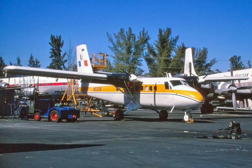 Msn-065-no.03-DHC-6-100-N8083N-National-Equipment-Rental-(yellow,-French-flag-on-tail),-in-February-1971---IMG_20151009_0002.jpg