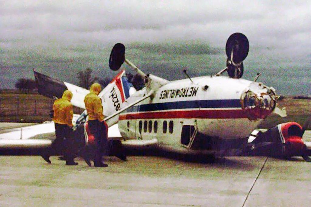 Metro Airlines FB Group © Lawton OK Apr-1983