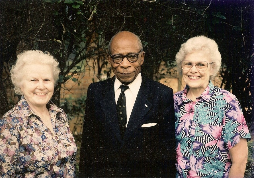 Esther (left) and Winifred (right) with Jean-Samuel Eba Ela, one of the church elders in Elat, Cameroun. December 1989. He vividly remembered my grandfather, who died 43 years before this visit.