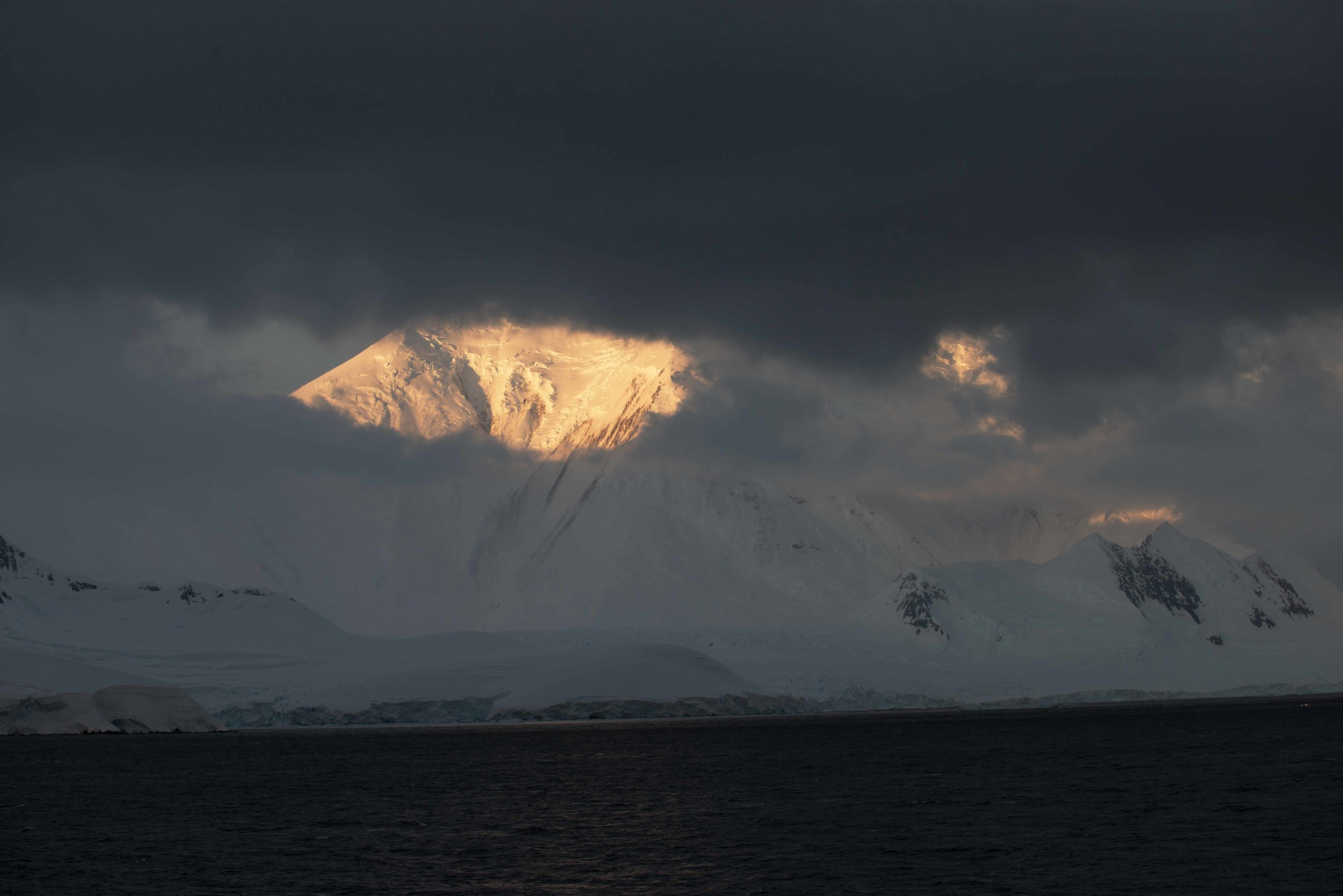 Sunset in Antarctica, Neumayer Channel.