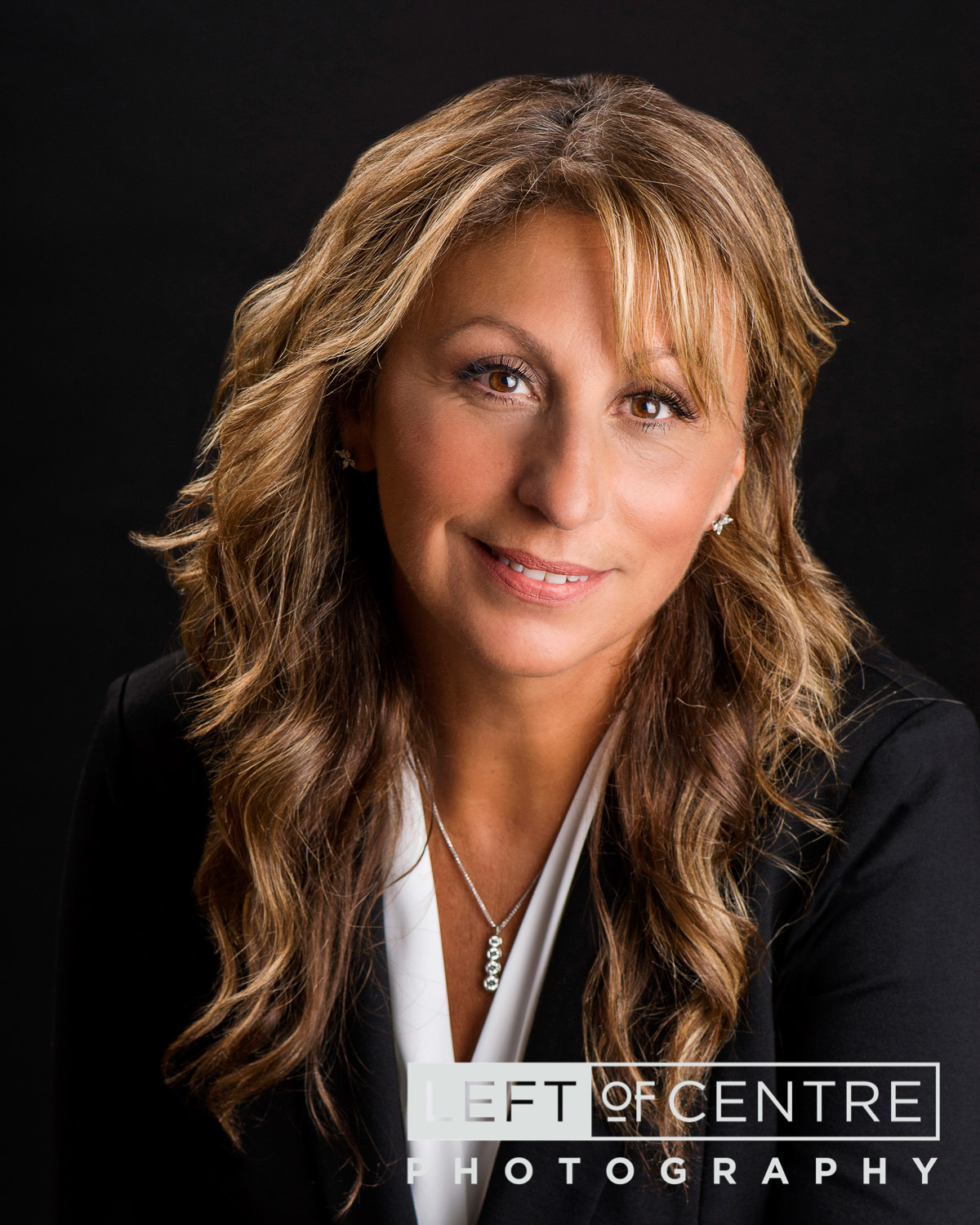 Effie Dimou real estate headshot 2018