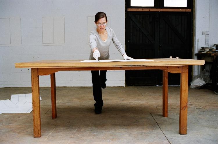 Linda Karshan in the Dulwich Studio, London. Photograph © Candida Richardson