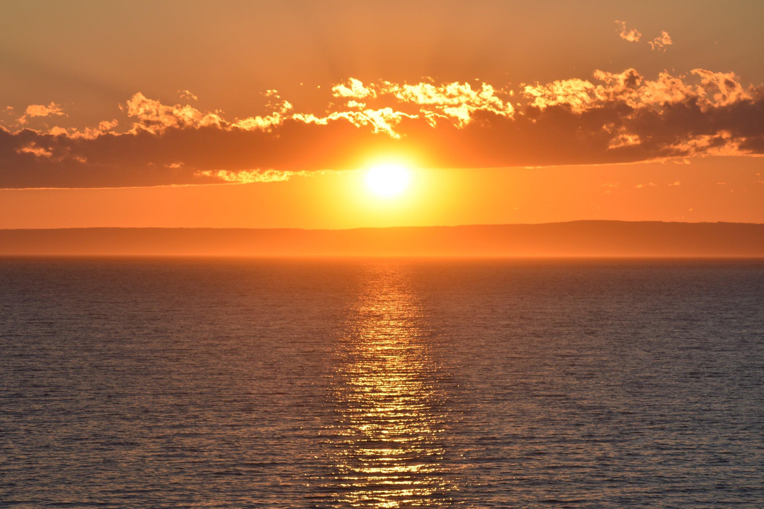 Sea-Level_Sun-Set