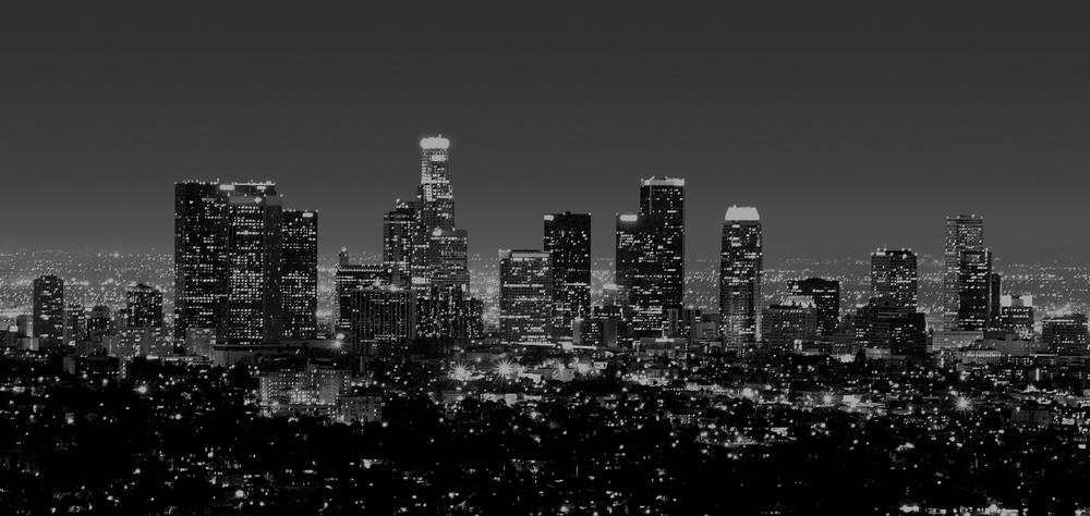 los+angeles+skyline+at+night+in+black+&+white.jpg