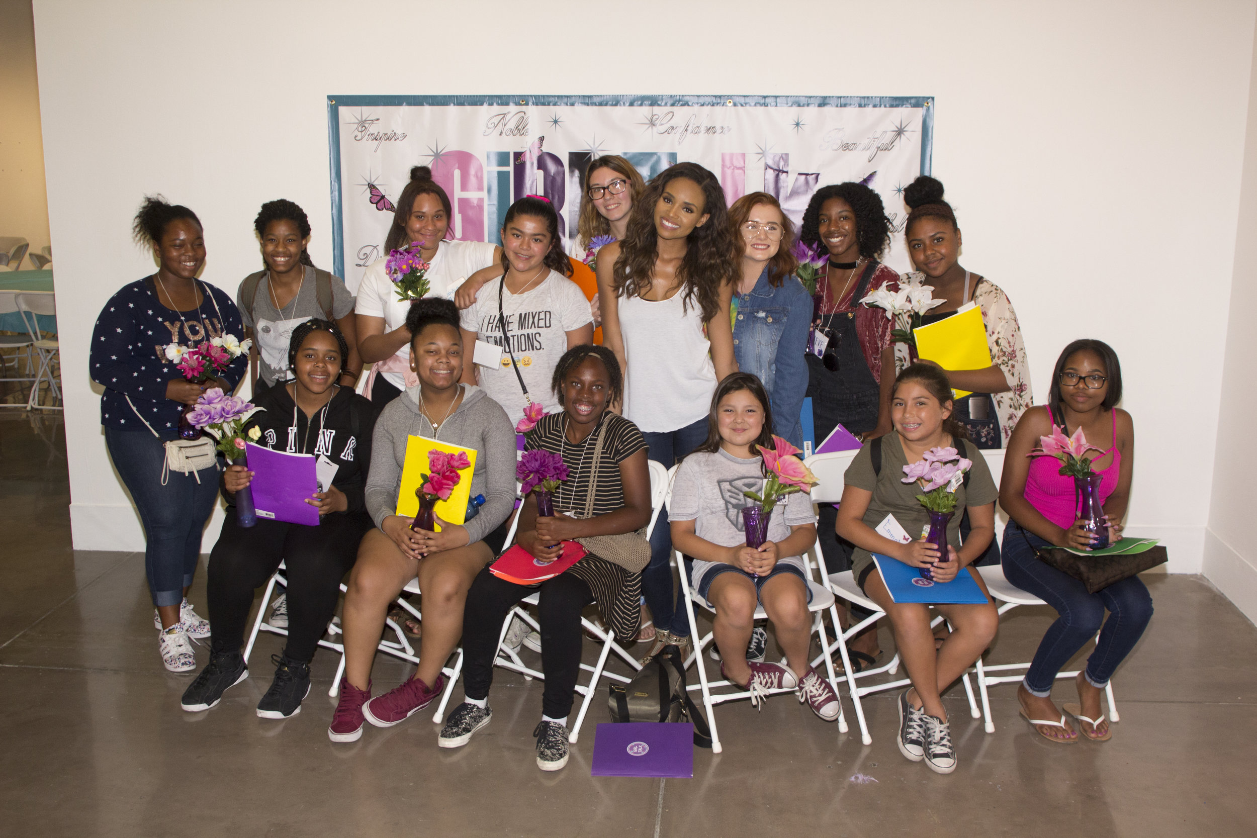 Girl Talk With Meagan! - This was a private exclusive class for a few lucky ladies who got to sit down and ask Meagan about acting and modeling.