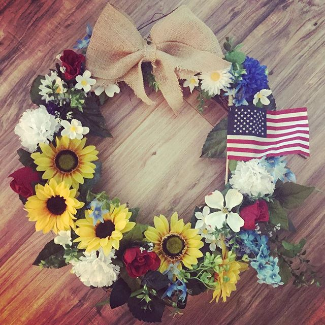 Bright and proud! 🇺🇸 - LHBDesigns🌻#lhbdesigns #wreath #doordecor #etsy #frontdoor #instadecor #handmade #homedecor #supporthandmade #homeideas #summerwreath #theperfectgift #makeahouseahome #grapevine #burlap #sunflowers #patrioticdecor #patriotism