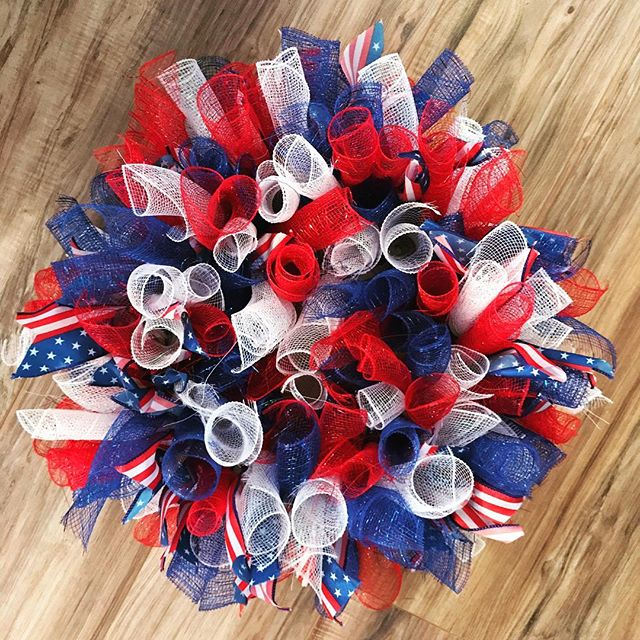 Patriotic Fun🇺🇸 - LHBDesigns🌻#lhbdesigns #wreath #doordecor #etsy #frontdoor #instadecor #handmade #homedecor #supporthandmade #homeideas #summerwreath #theperfectgift #makeahouseahome #meshwreath #patrioticdecor #patriotism