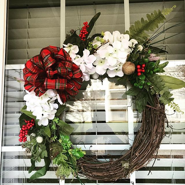 When it is cold, we #craft! ☁️🌬😬#wreath