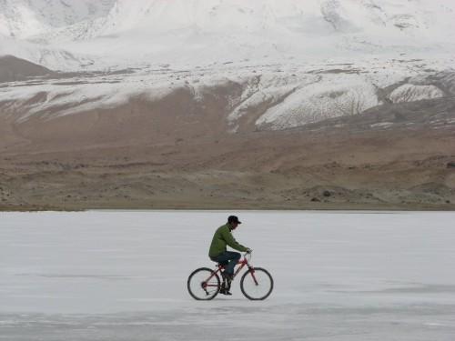 cycle-ice-river-500x375.jpg