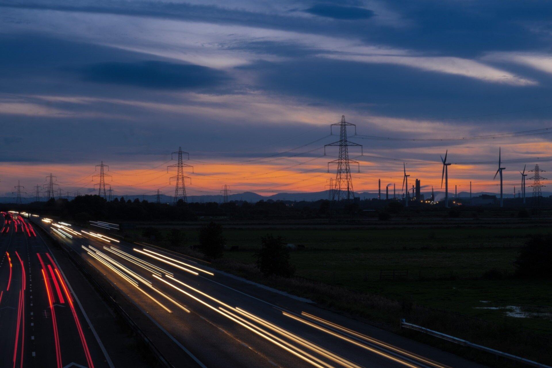Frodsham wind farm at dusk.jpg