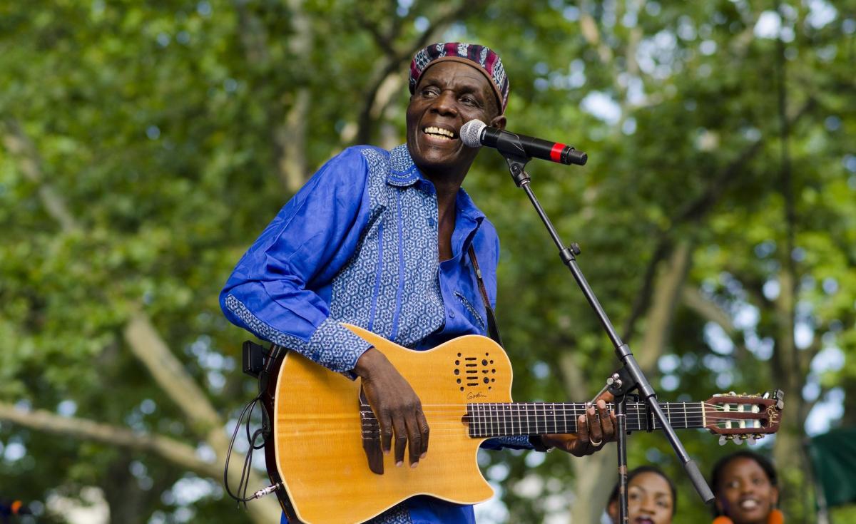 Oliver Mtukudzi Dies Jan 2019.png