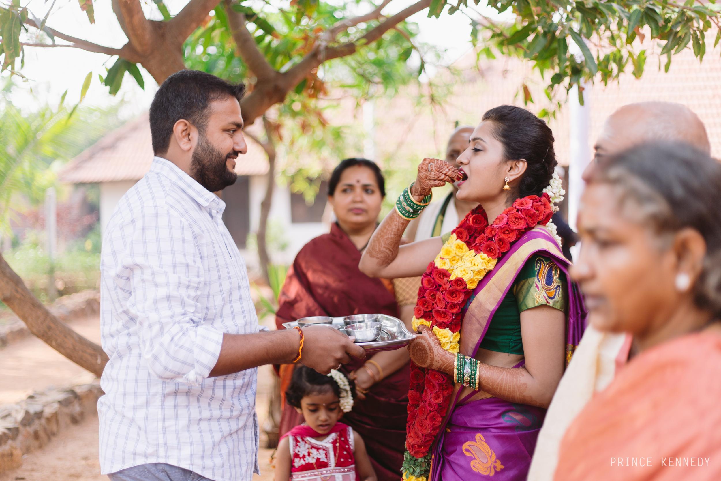 Athmajja-Nithesh-Engagement-Couple-Portrait-Portraiture-Wedding-Couple-Portrait-Chennai-Photographer-Candid-Photography-Destination-Best-Prince-Kennedy-Photography-40.jpg