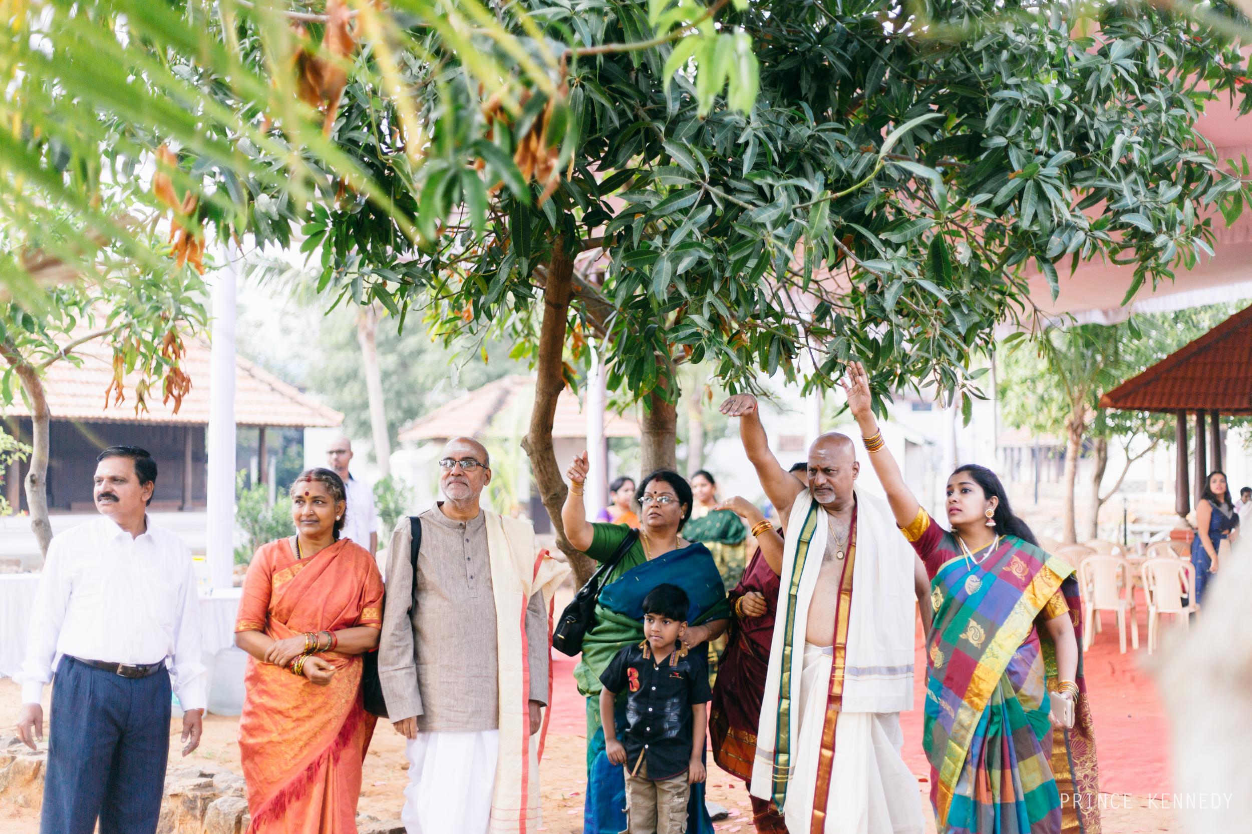 Athmajja-Nithesh-Engagement-Couple-Portrait-Portraiture-Wedding-Couple-Portrait-Chennai-Photographer-Candid-Photography-Destination-Best-Prince-Kennedy-Photography-60.jpg