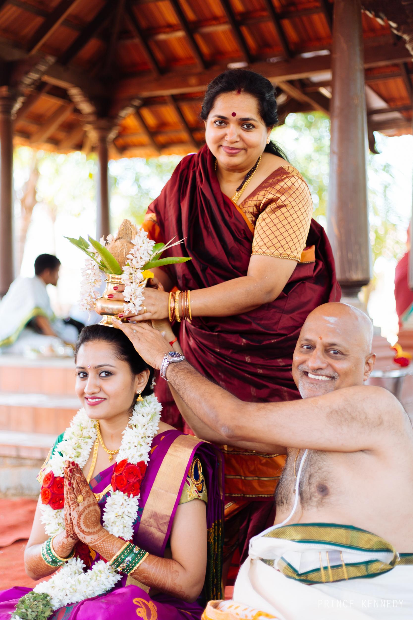 Athmajja-Nithesh-Engagement-Couple-Portrait-Portraiture-Wedding-Couple-Portrait-Chennai-Photographer-Candid-Photography-Destination-Best-Prince-Kennedy-Photography-49.jpg
