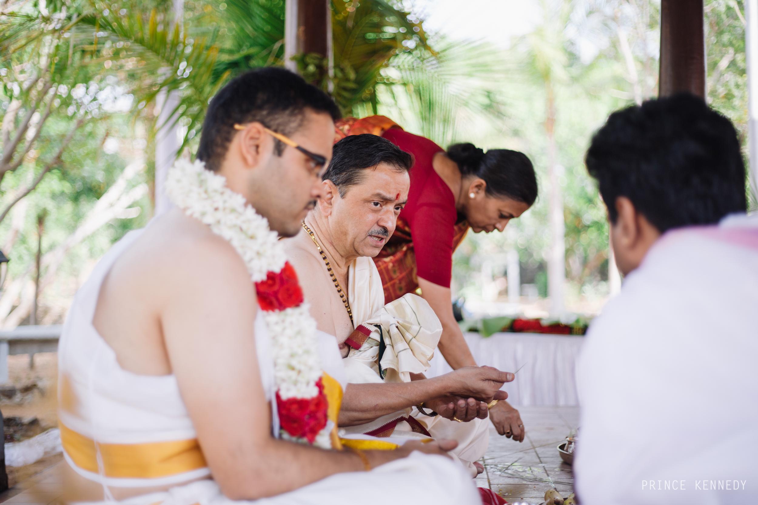 Athmajja-Nithesh-Engagement-Couple-Portrait-Portraiture-Wedding-Couple-Portrait-Chennai-Photographer-Candid-Photography-Destination-Best-Prince-Kennedy-Photography-53.jpg