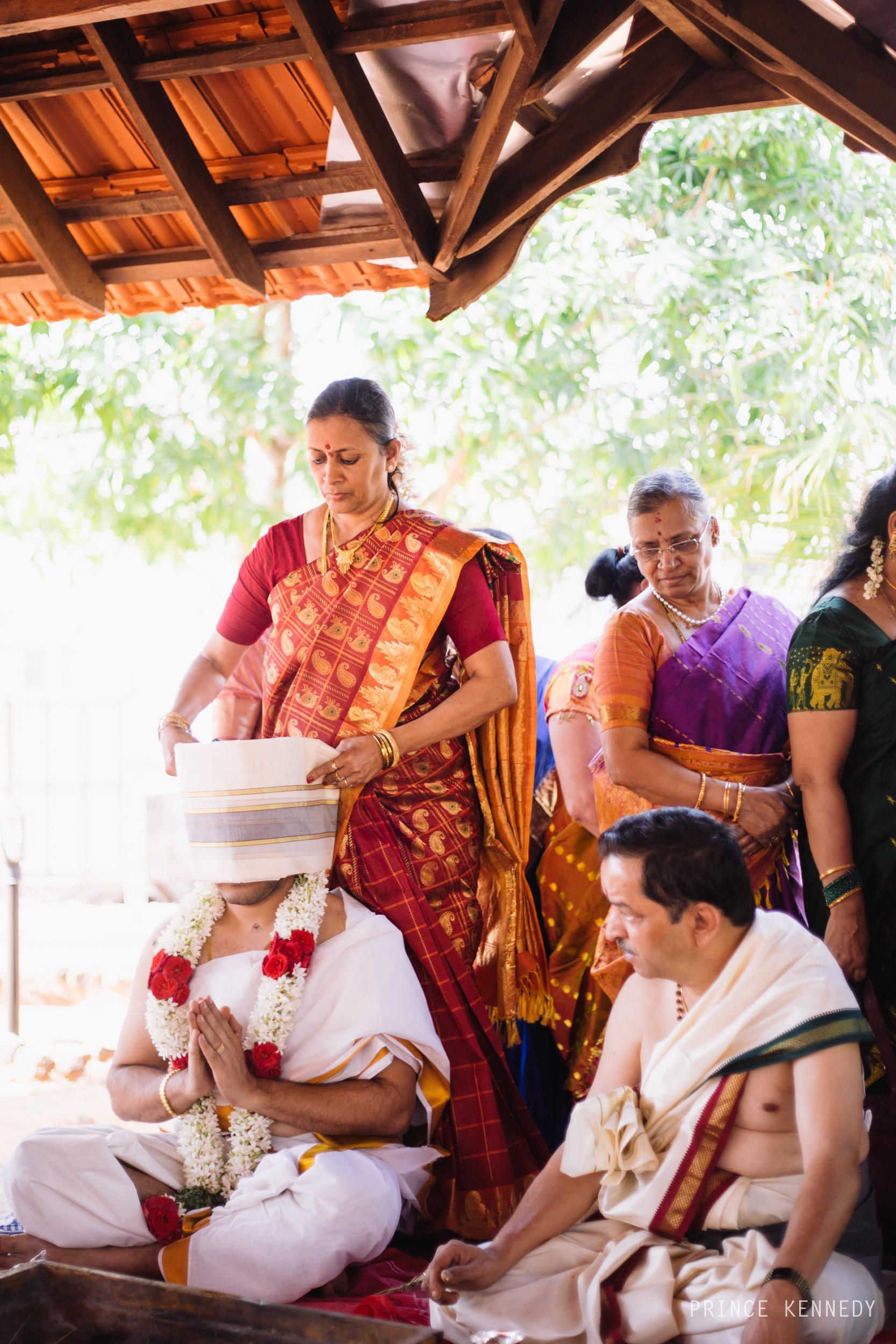 Athmajja-Nithesh-Engagement-Couple-Portrait-Portraiture-Wedding-Couple-Portrait-Chennai-Photographer-Candid-Photography-Destination-Best-Prince-Kennedy-Photography-114.jpg