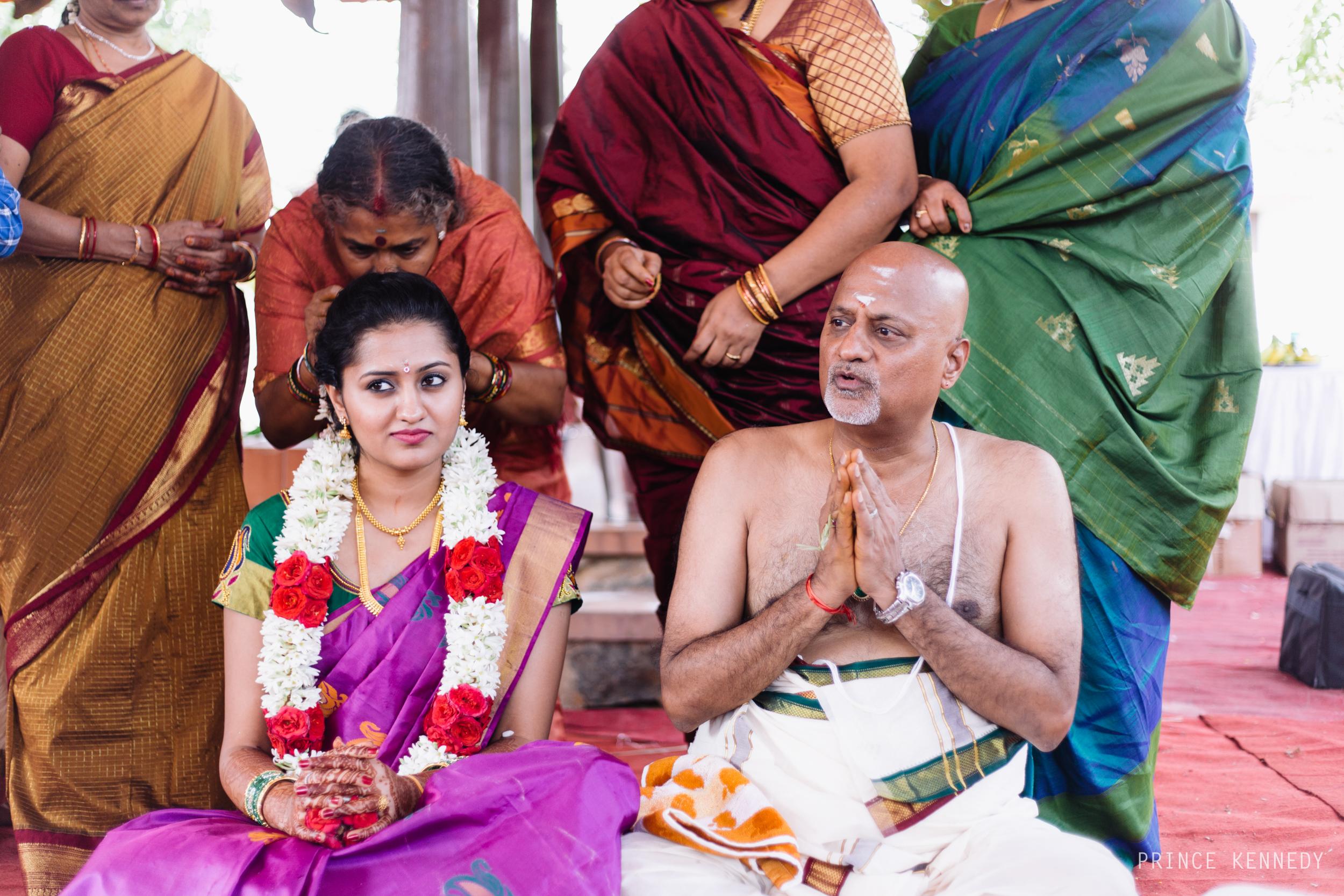 Athmajja-Nithesh-Engagement-Couple-Portrait-Portraiture-Wedding-Couple-Portrait-Chennai-Photographer-Candid-Photography-Destination-Best-Prince-Kennedy-Photography-134.jpg