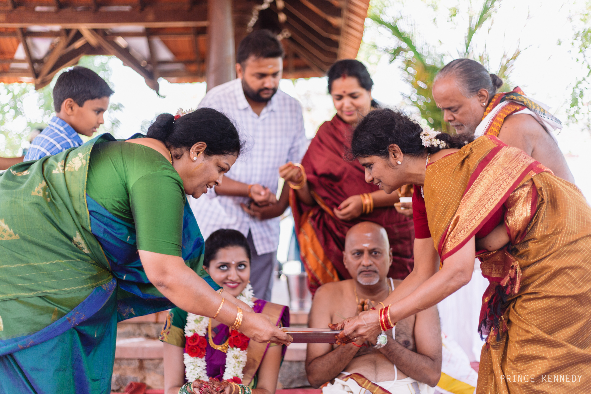 Athmajja-Nithesh-Engagement-Couple-Portrait-Portraiture-Wedding-Couple-Portrait-Chennai-Photographer-Candid-Photography-Destination-Best-Prince-Kennedy-Photography-155.jpg