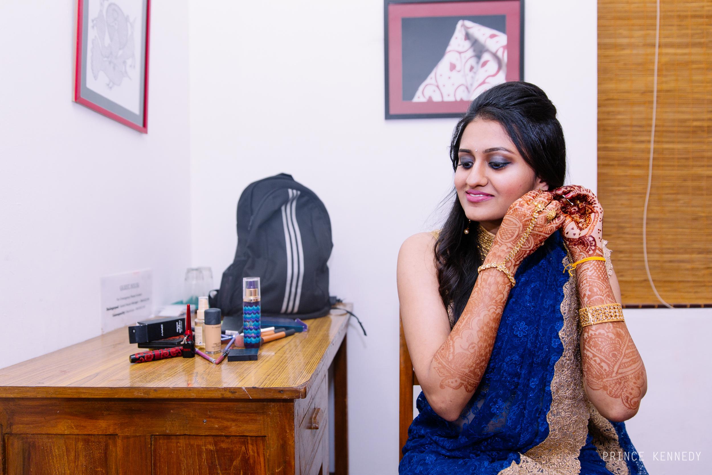 Athmajja-Nithesh-Engagement-Couple-Portrait-Portraiture-Wedding-Couple-Portrait-Chennai-Photographer-Candid-Photography-Destination-Best-Prince-Kennedy-Photography-35.jpg