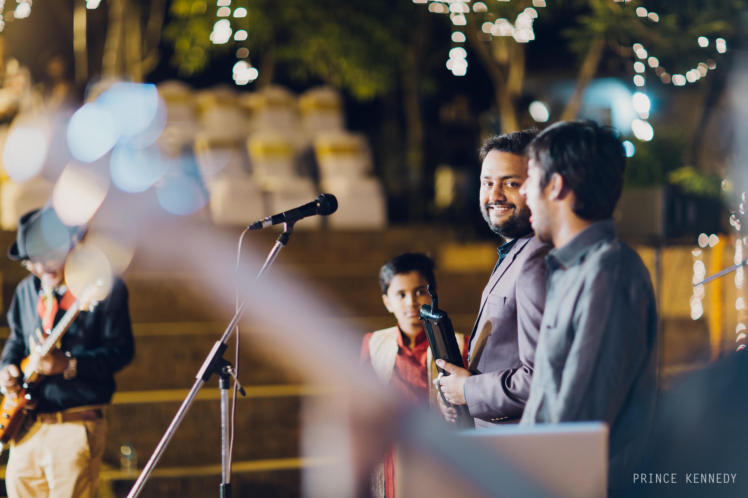Athmajja-Nithesh-Engagement-Couple-Portrait-Portraiture-Wedding-Couple-Portrait-Chennai-Photographer-Candid-Photography-Destination-Best-Prince-Kennedy-Photography-200.jpg