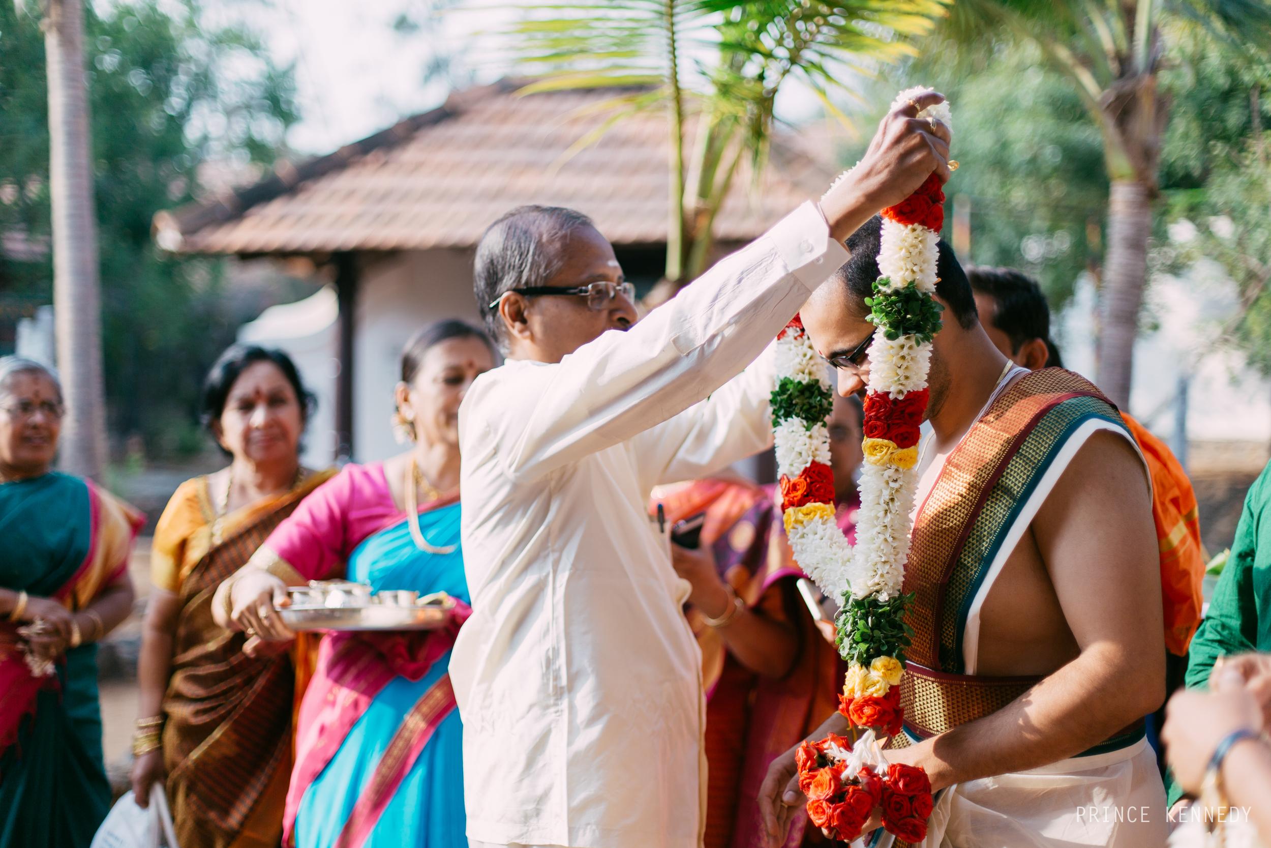 Athmajja-Nithesh-Engagement-Couple-Portrait-Portraiture-Wedding-Couple-Portrait-Chennai-Photographer-Candid-Photography-Destination-Best-Prince-Kennedy-Photography-32.jpg