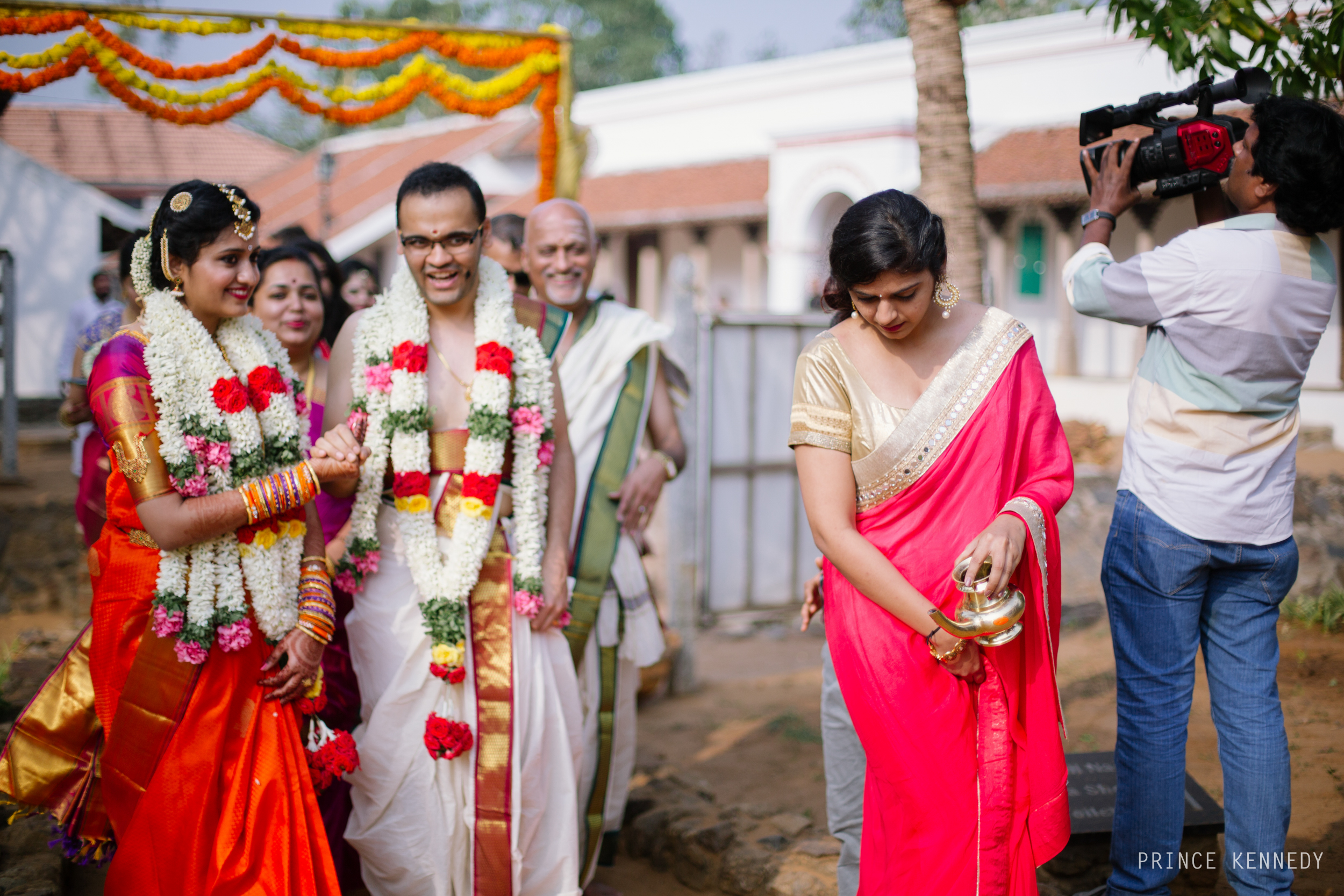 Athmajja-Nithesh-Engagement-Couple-Portrait-Portraiture-Wedding-Couple-Portrait-Chennai-Photographer-Candid-Photography-Destination-Best-Prince-Kennedy-Photography-195.jpg