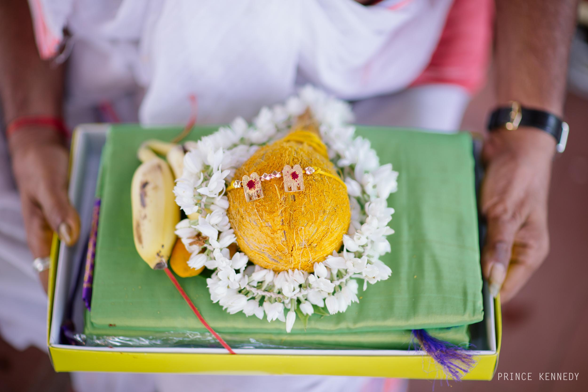 Athmajja-Nithesh-Engagement-Couple-Portrait-Portraiture-Wedding-Couple-Portrait-Chennai-Photographer-Candid-Photography-Destination-Best-Prince-Kennedy-Photography-207.jpg
