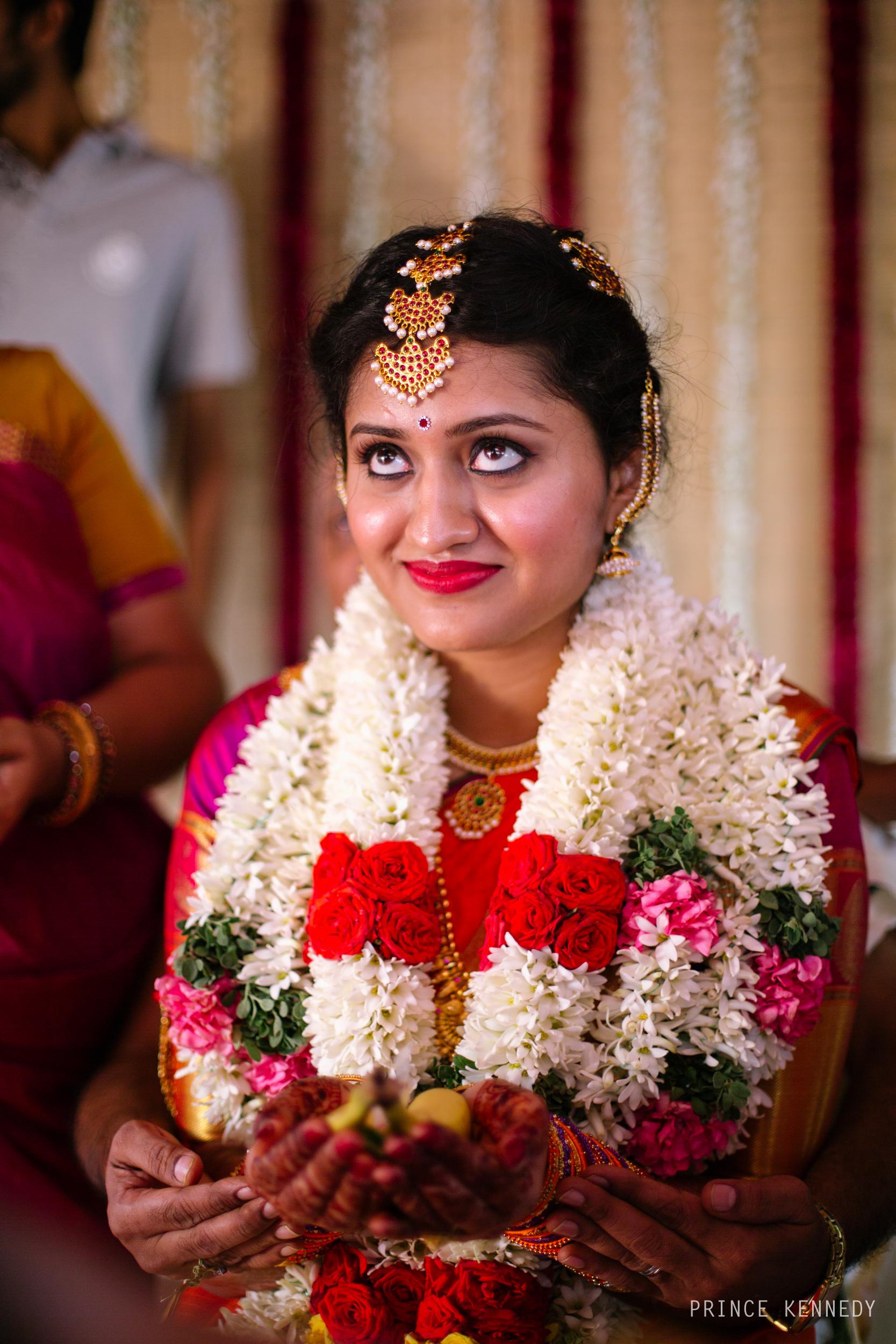 Athmajja-Nithesh-Engagement-Couple-Portrait-Portraiture-Wedding-Couple-Portrait-Chennai-Photographer-Candid-Photography-Destination-Best-Prince-Kennedy-Photography-218.jpg