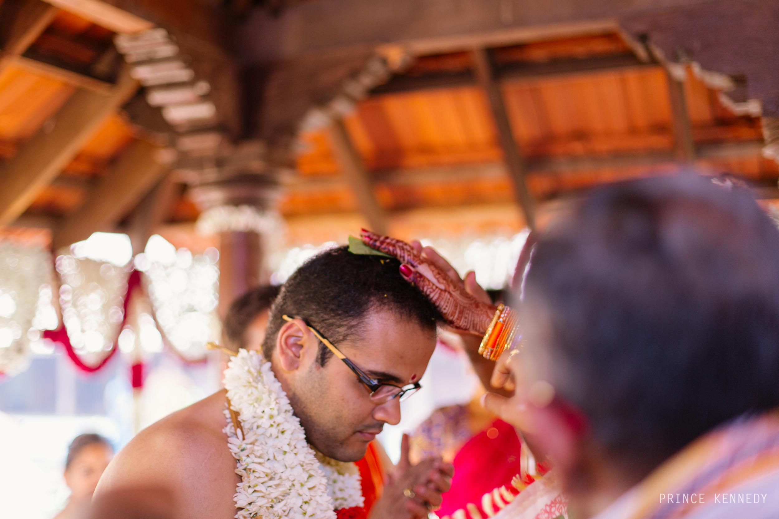 Athmajja-Nithesh-Engagement-Couple-Portrait-Portraiture-Wedding-Couple-Portrait-Chennai-Photographer-Candid-Photography-Destination-Best-Prince-Kennedy-Photography-241.jpg