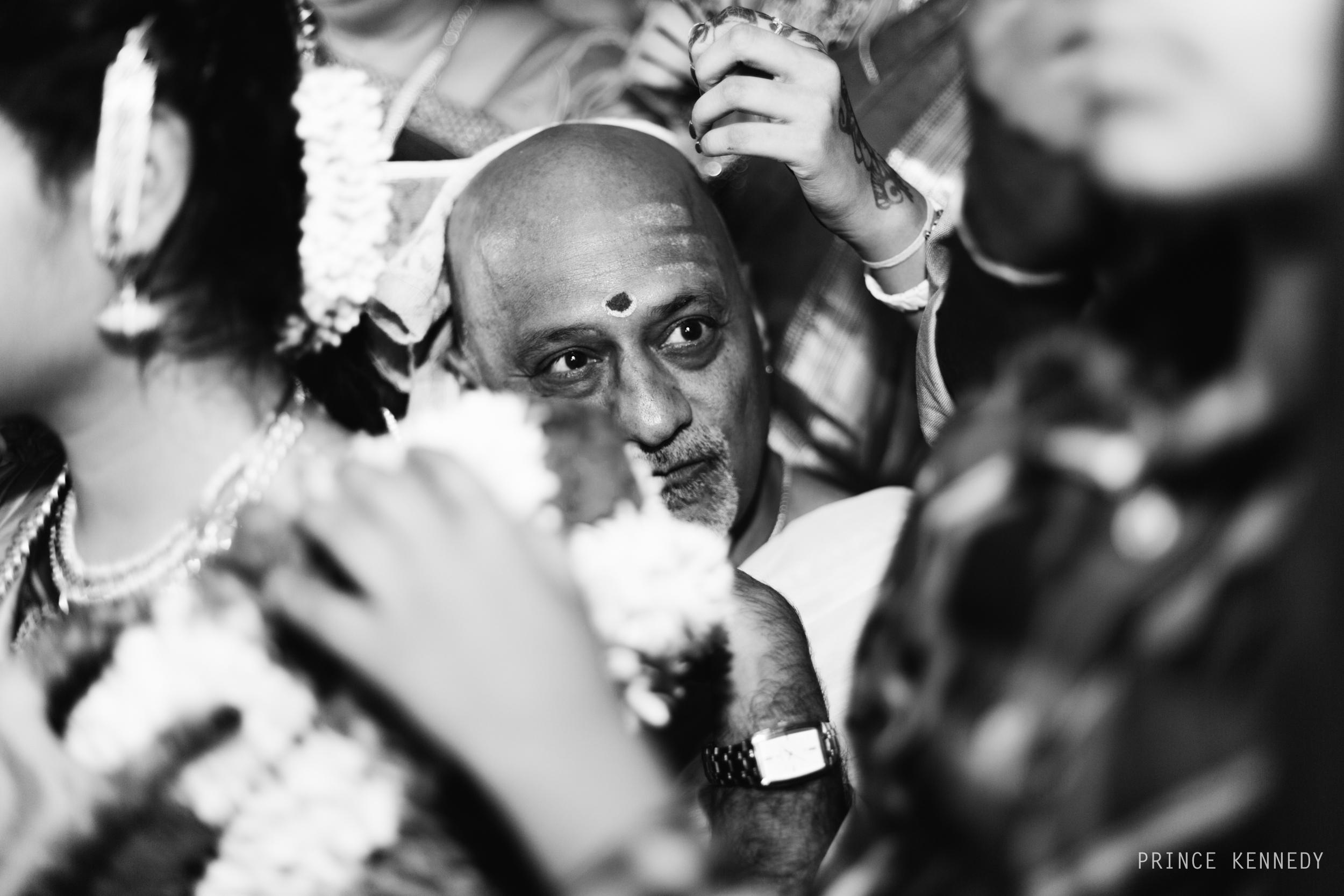Athmajja-Nithesh-Engagement-Couple-Portrait-Portraiture-Wedding-Couple-Portrait-Chennai-Photographer-Candid-Photography-Destination-Best-Prince-Kennedy-Photography-286.jpg