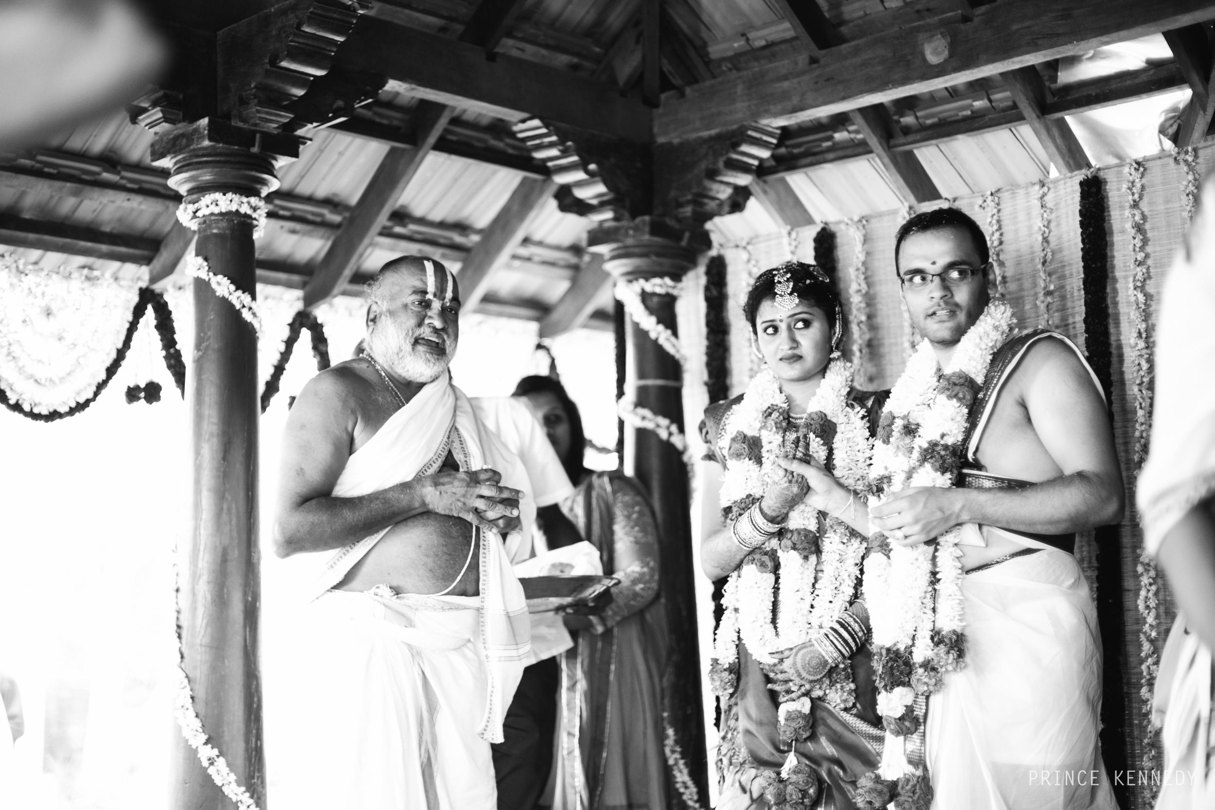 Athmajja-Nithesh-Engagement-Couple-Portrait-Portraiture-Wedding-Couple-Portrait-Chennai-Photographer-Candid-Photography-Destination-Best-Prince-Kennedy-Photography-338.jpg