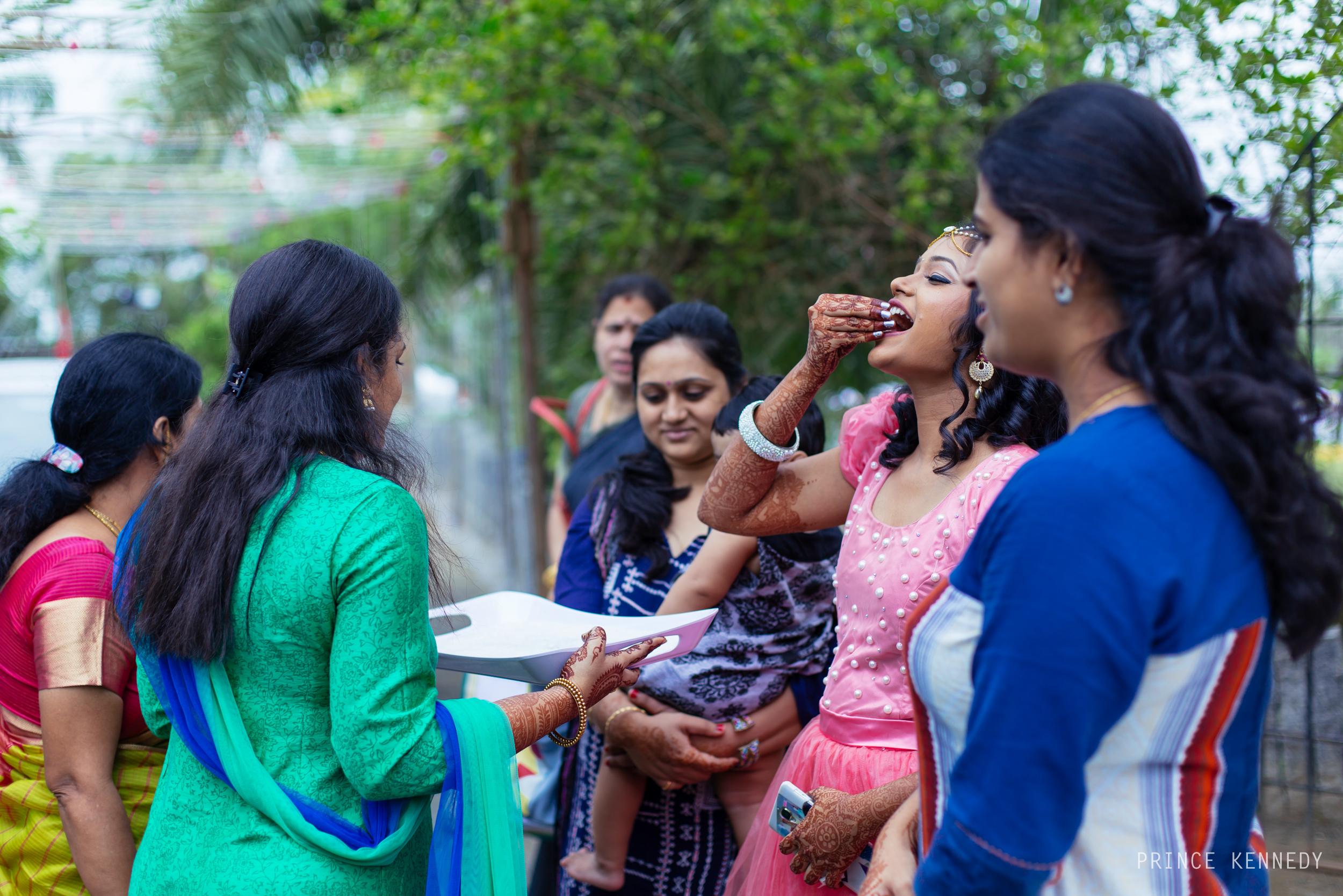 Engagement-Couple-Portrait-Portraiture-Wedding-Couple-Portrait-Chennai-Photographer-Candid-Photography-Destination-Best-Prince-Kennedy-Photography-24.jpg