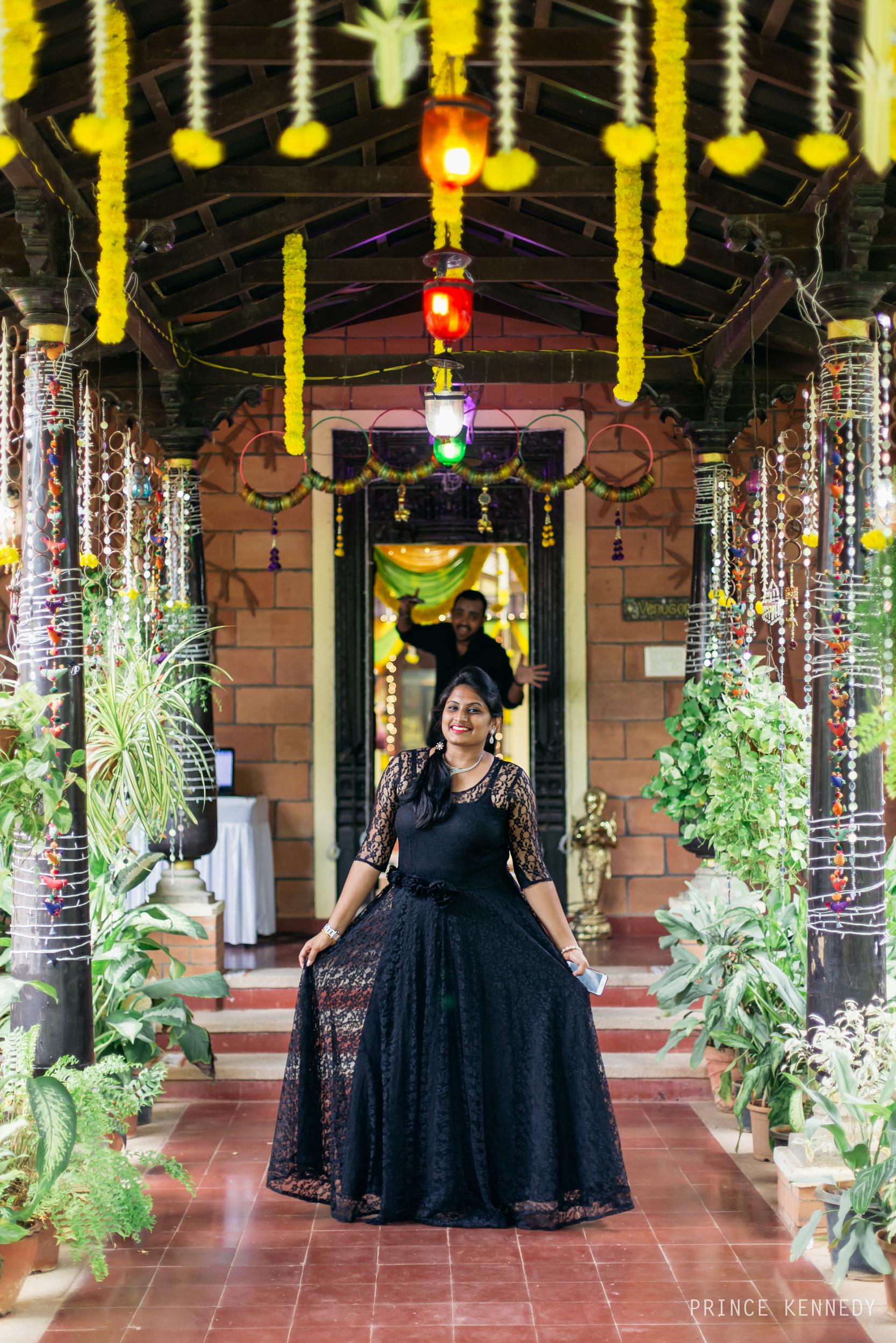 Engagement-Couple-Portrait-Portraiture-Wedding-Couple-Portrait-Chennai-Photographer-Candid-Photography-Destination-Best-Prince-Kennedy-Photography-91.jpg