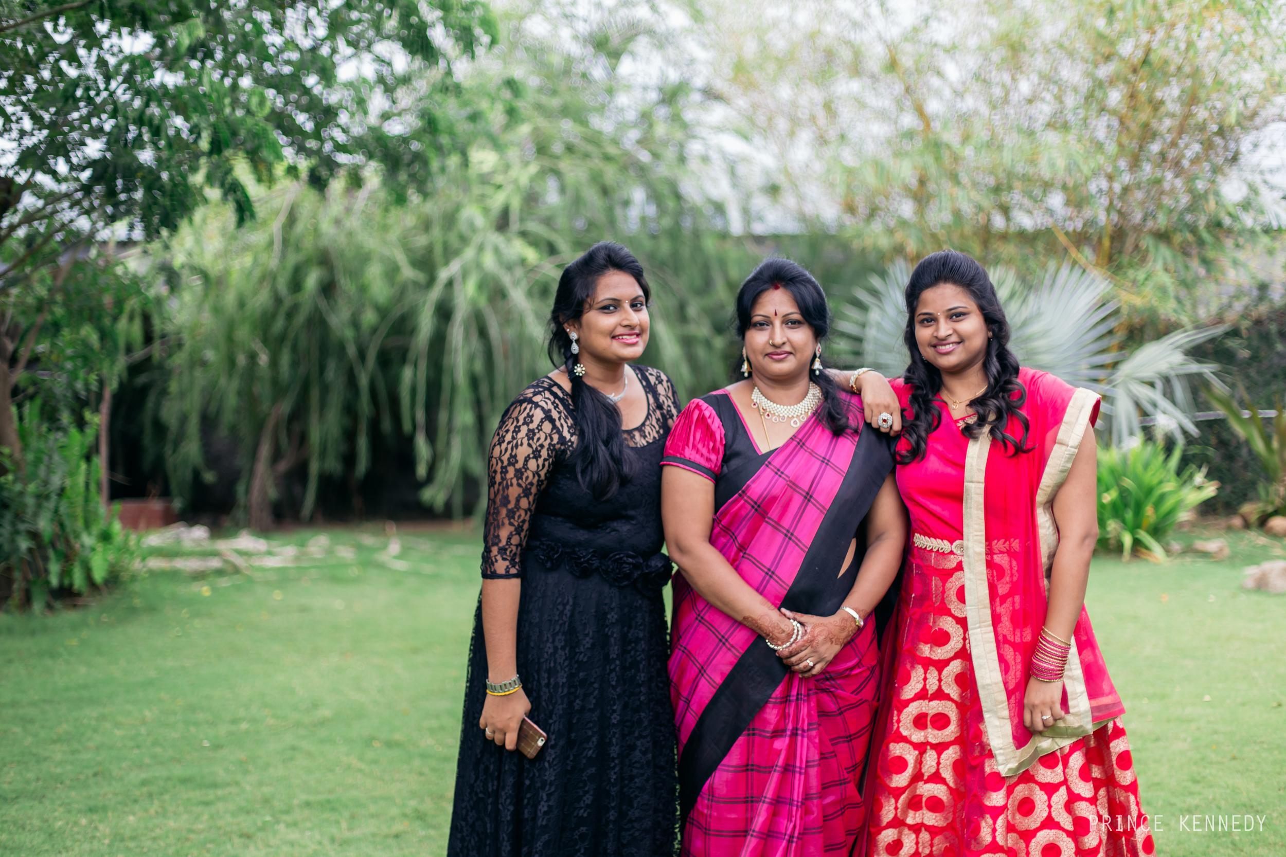 Engagement-Couple-Portrait-Portraiture-Wedding-Couple-Portrait-Chennai-Photographer-Candid-Photography-Destination-Best-Prince-Kennedy-Photography-120.jpg