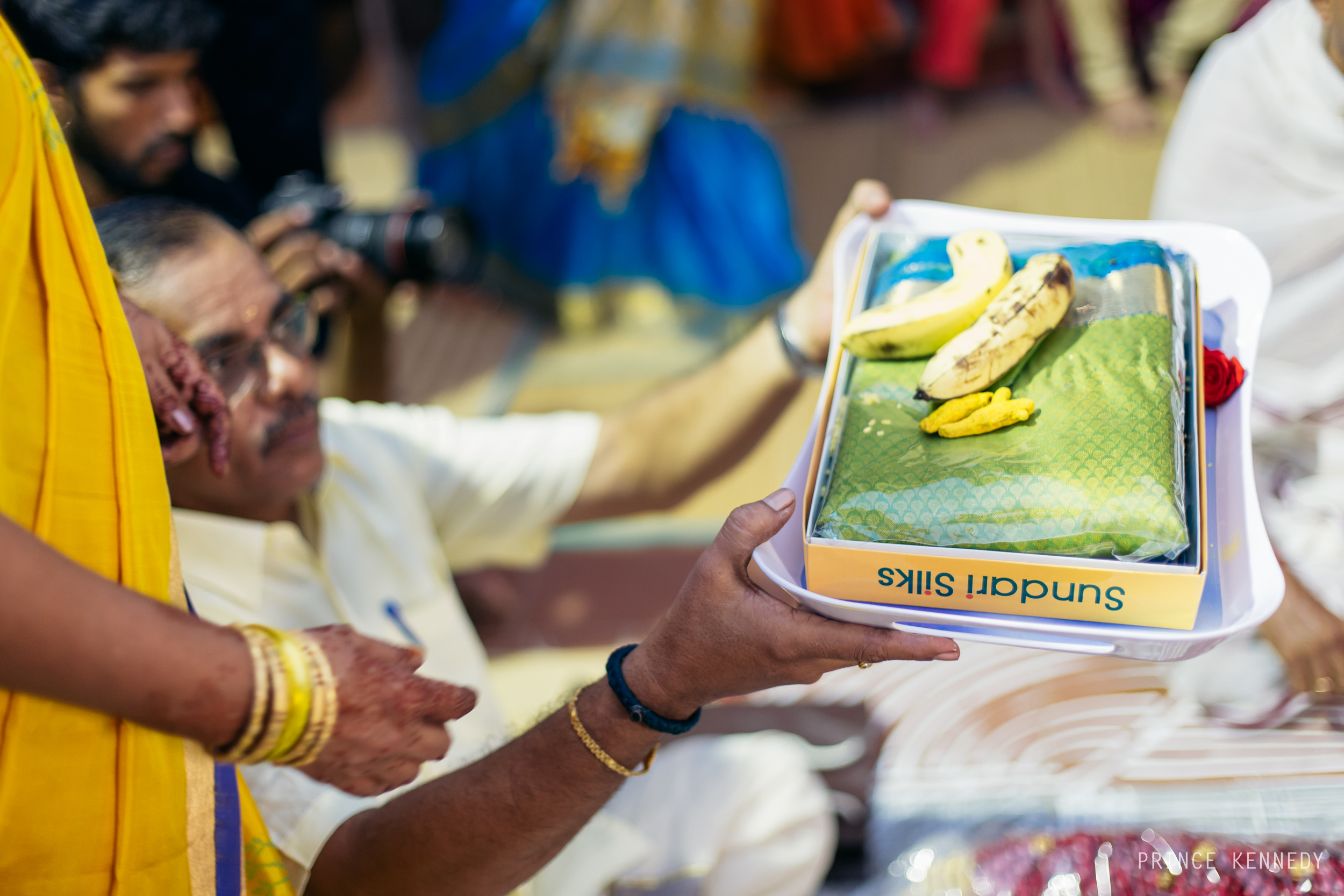 Engagement-Couple-Portrait-Portraiture-Wedding-Couple-Portrait-Chennai-Photographer-Candid-Photography-Destination-Best-Prince-Kennedy-Photography-161.jpg