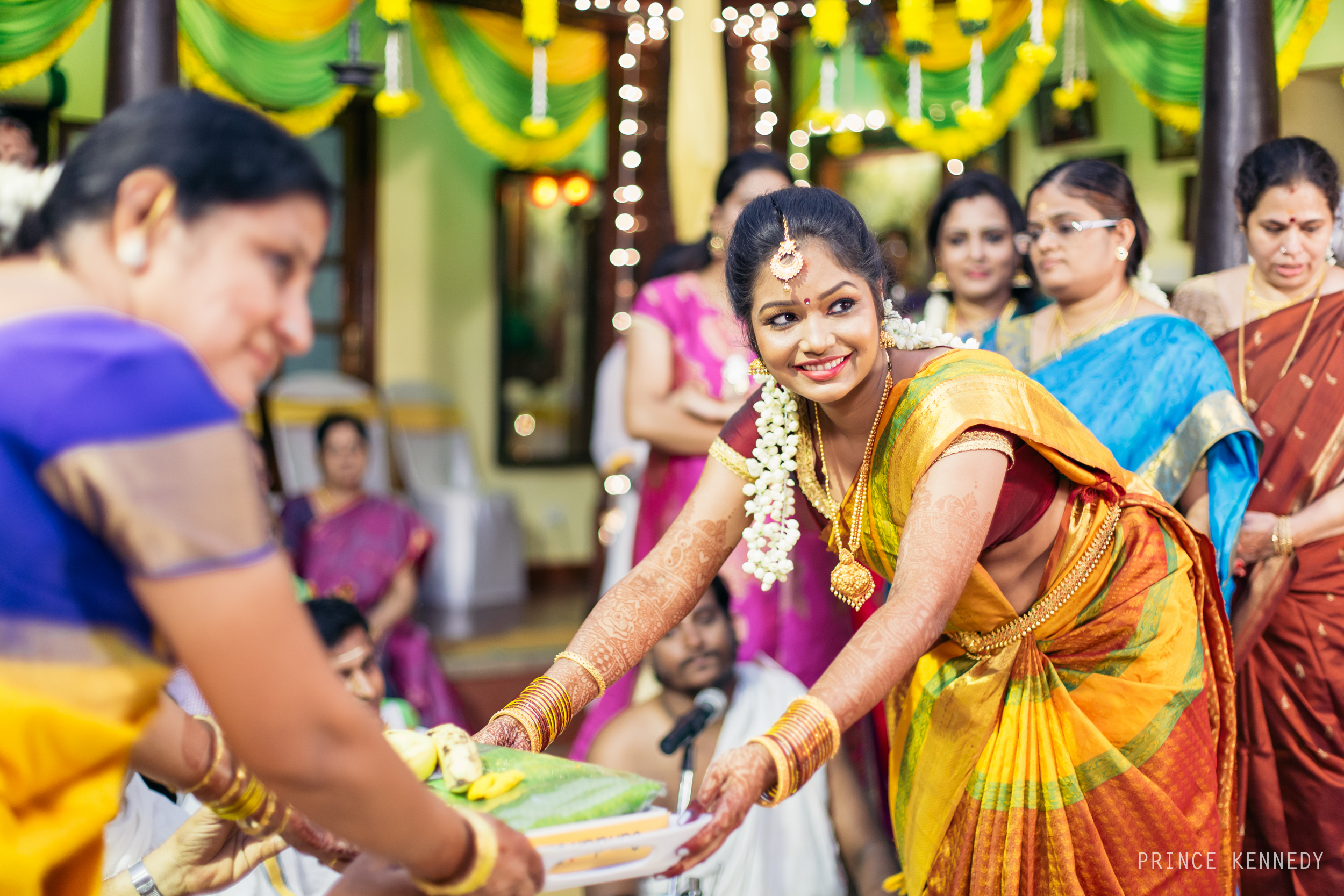 Engagement-Couple-Portrait-Portraiture-Wedding-Couple-Portrait-Chennai-Photographer-Candid-Photography-Destination-Best-Prince-Kennedy-Photography-162.jpg