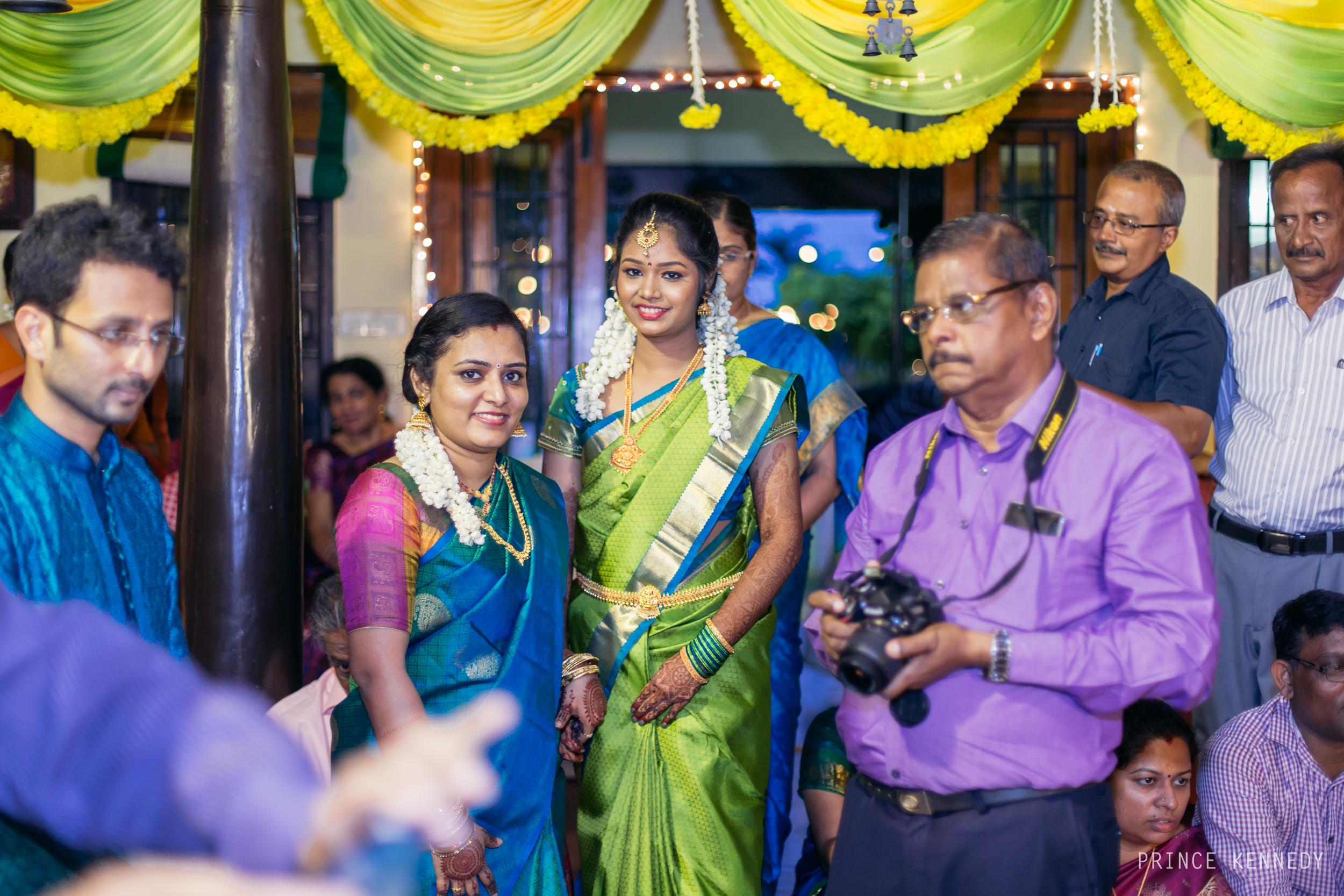 Engagement-Couple-Portrait-Portraiture-Wedding-Couple-Portrait-Chennai-Photographer-Candid-Photography-Destination-Best-Prince-Kennedy-Photography-206.jpg