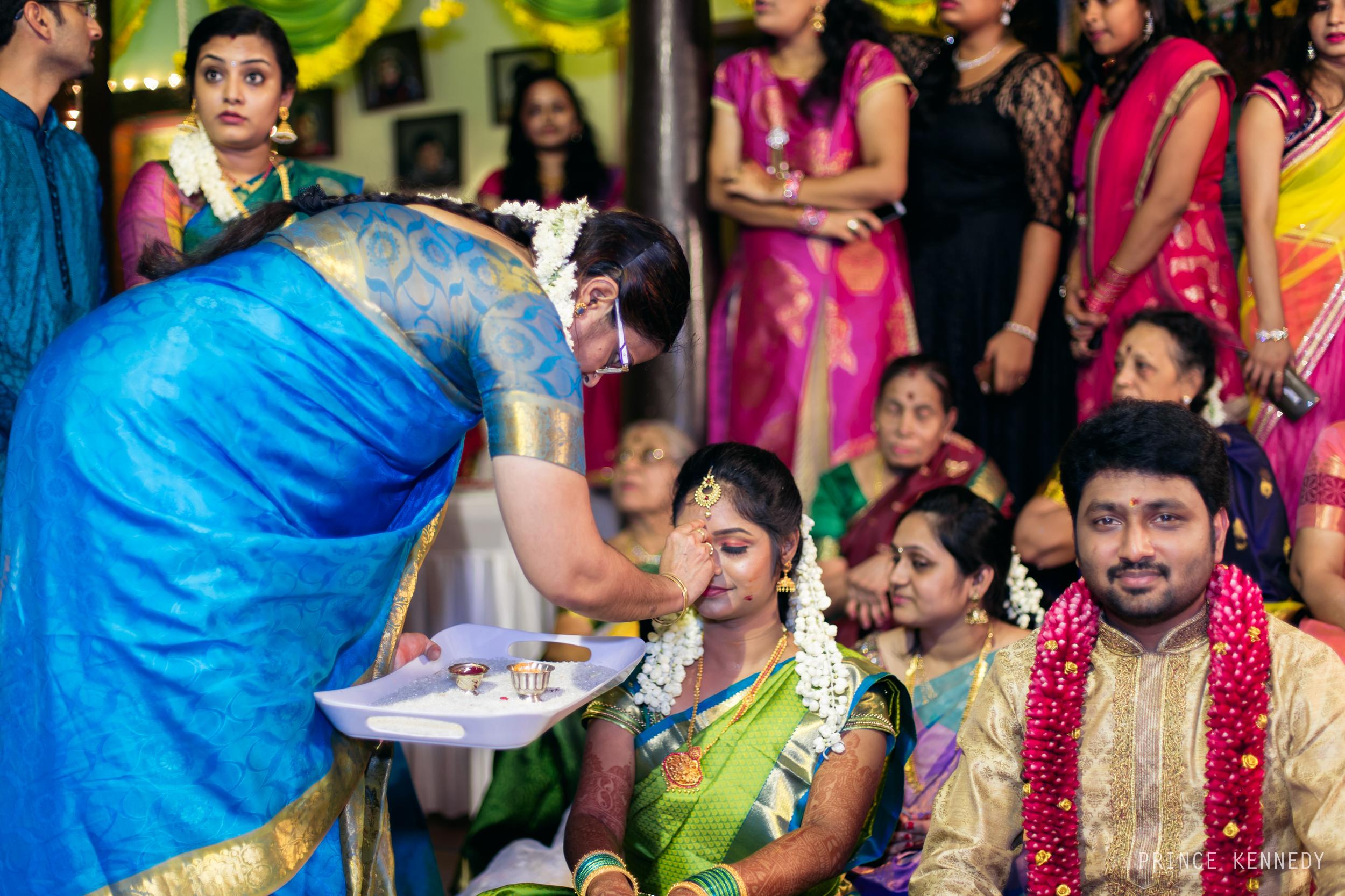 Engagement-Couple-Portrait-Portraiture-Wedding-Couple-Portrait-Chennai-Photographer-Candid-Photography-Destination-Best-Prince-Kennedy-Photography-215.jpg