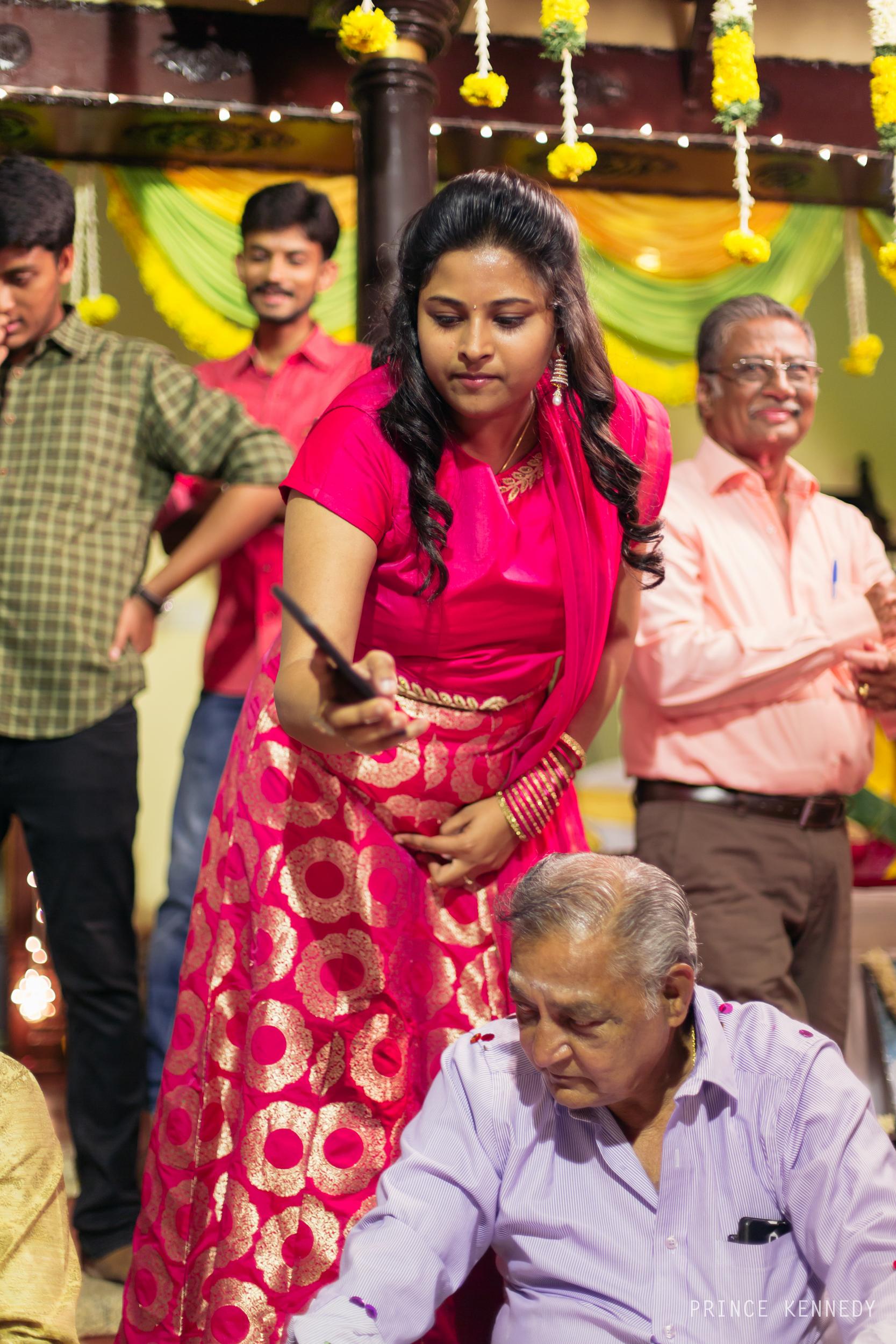 Engagement-Couple-Portrait-Portraiture-Wedding-Couple-Portrait-Chennai-Photographer-Candid-Photography-Destination-Best-Prince-Kennedy-Photography-256.jpg