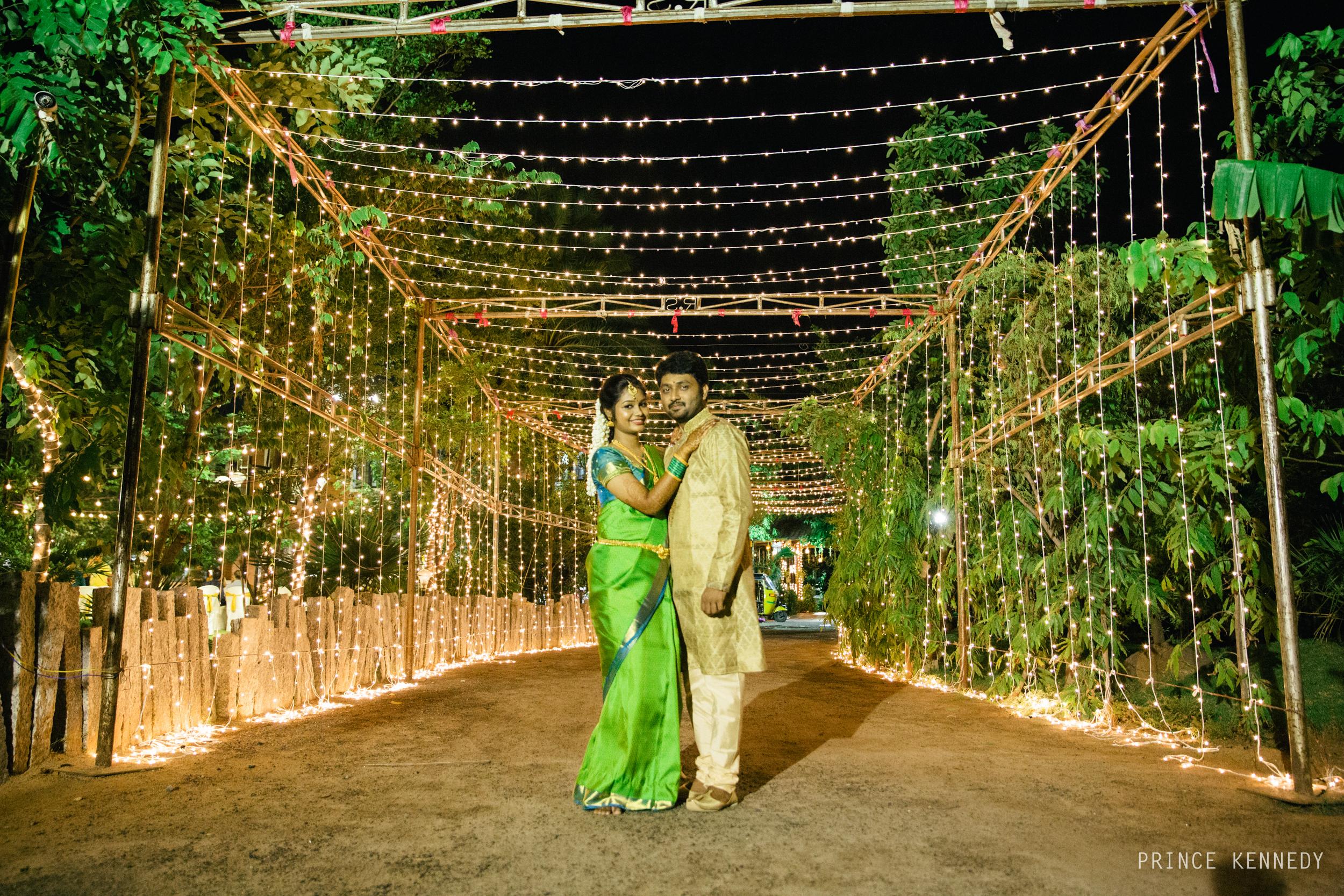 Engagement-Couple-Portrait-Portraiture-Wedding-Couple-Portrait-Chennai-Photographer-Candid-Photography-Destination-Best-Prince-Kennedy-Photography-299.jpg