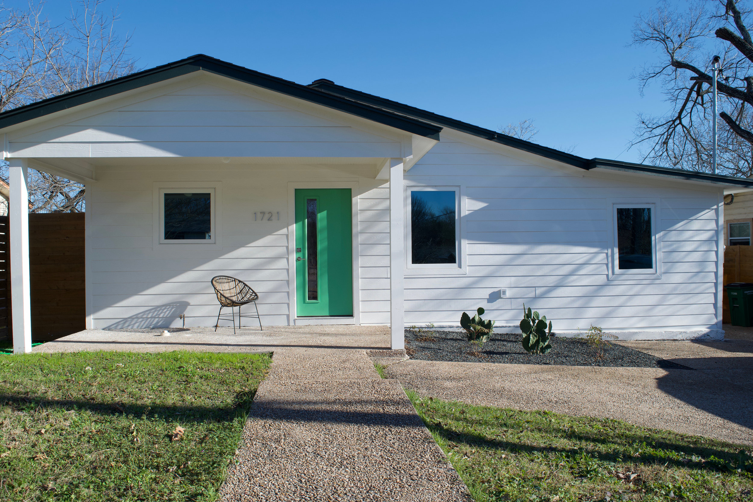 house-hunters-austin-emily-sherwin-williams-frosted-emerald.jpg