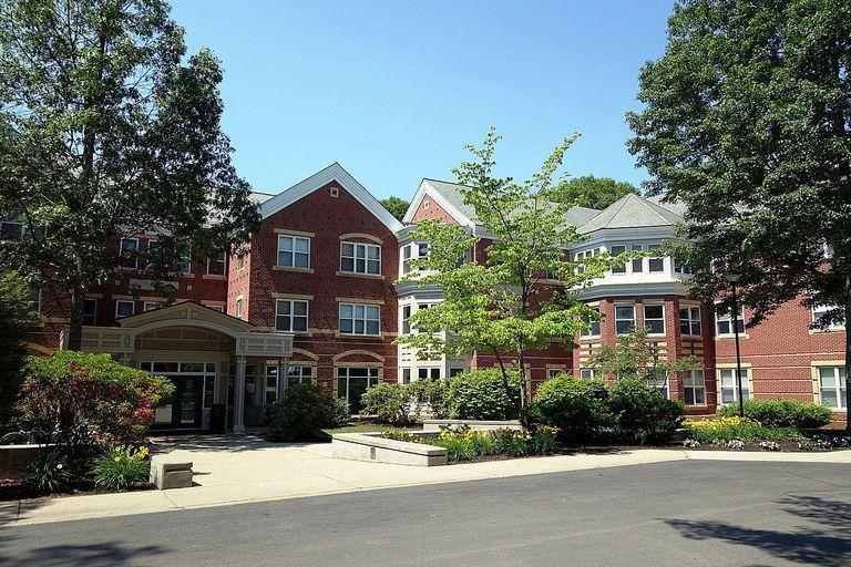Van-Winkle-Hall-Babson-College-58b5d0843df78cdcd8c34f25.JPG