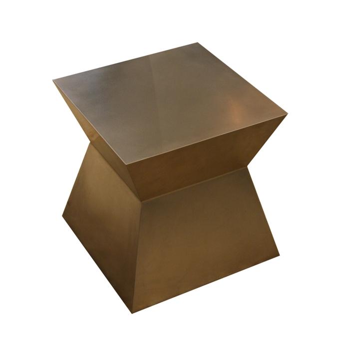 1Clodagh-Waisty-Table_center2.jpg