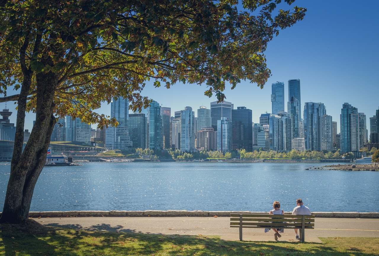 Coopers-Park-to-English-Bay-Beach2.jpg