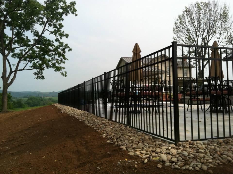 aluminum pool fence.jpg