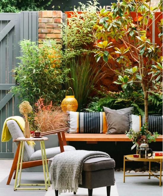 Design by  Georgia Lindsay Garden Design
