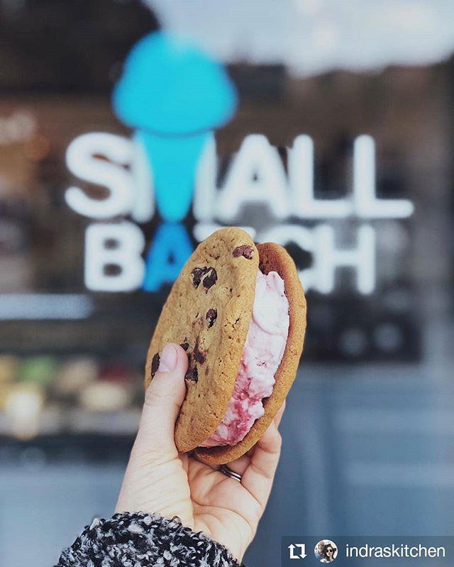 Does the ice cream between these cookies look vegan? Because it is! Our vegan Lava Flow is a fan favorite! 🍪 #Repost @indraskitchen • • • • • • #smallbatchicecreamery #marvista #venicebeach #dairyfree #veganicecream #cookiesandwhich #icecreamforeveryone