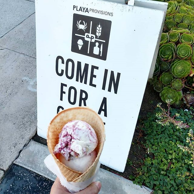 Our Small Batch ice cream shop has 2 locations! One inside @playaprovisions in Playa Del Rey and our main location in Mar Vista on Venice Blvd. Come and try our authentic artesinal hand spun ice cream! 🍦🍧🍨 #Repost @just_experiences • • • • • • Small batch strawberry shortcake #vegan frozen treat #icecreamalternative #veganicecream #icecream #playaprovisions #losangeles #just_experiences @playaprovisions #marvista #playadelrey